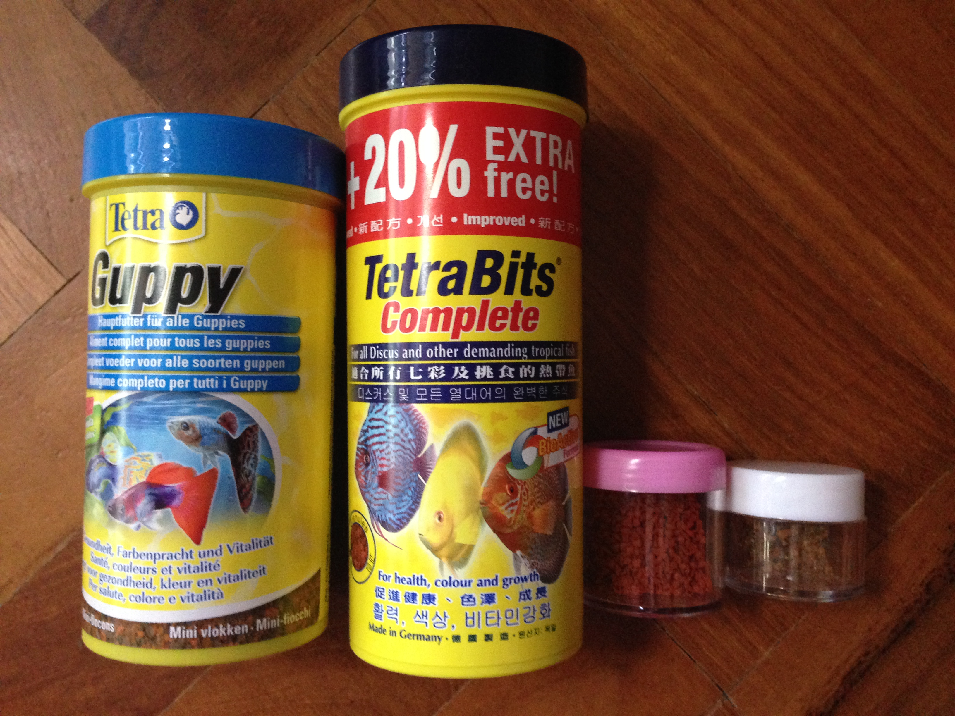 Guppy nutrition feeding guppies with dry fish food for Fish meal for sale
